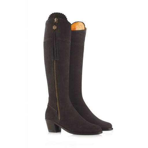 THE HEELED REGINA BOOT, CHOCOLATE SUEDE